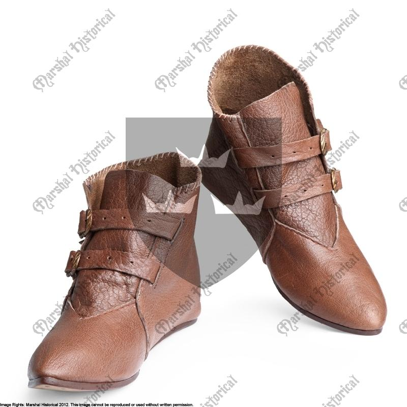 Pointy low boot with buckles, Brown The Time Seller